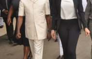 Oshiomhole's wife‎, 334 other foreigners get Nigerian citizenship