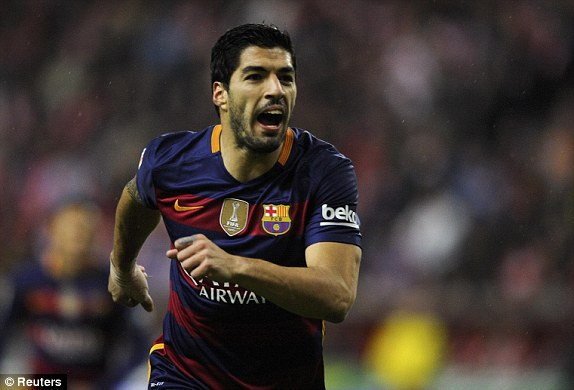 Suarez scores his 100th FC Barcelona goal for quarter-final ticket
