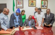 Obaseki signs CDA Bill into law, meets with Oba Ewuare II